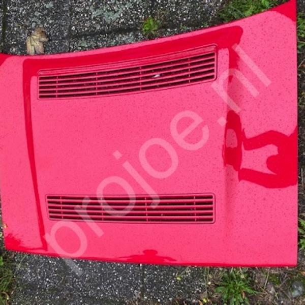 Lancia Delta Integrale 16V bonnet – red